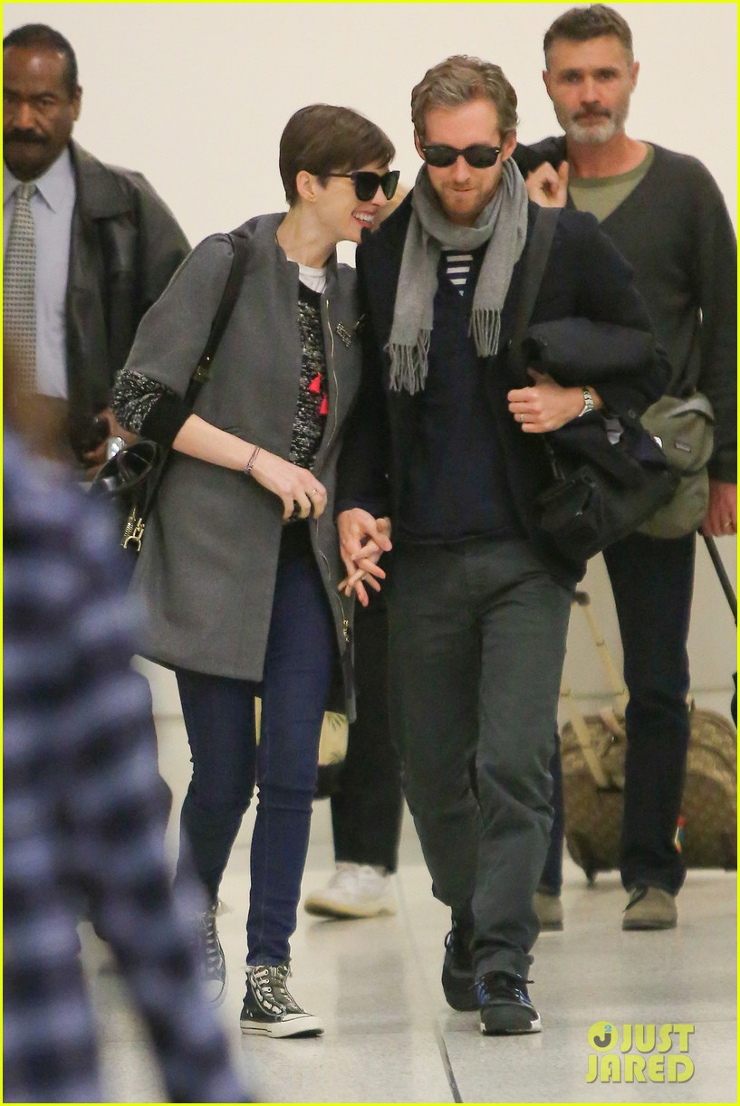 anne hathaway adam shulman hold hands after wardrobe malfunction 222774820