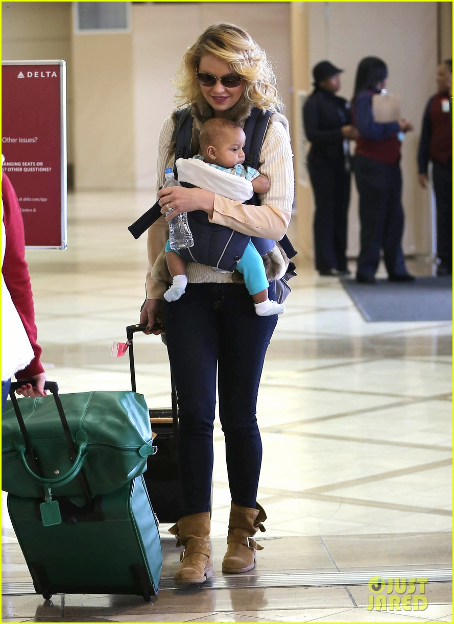 katherine heigl takes off with baby adalaide 12