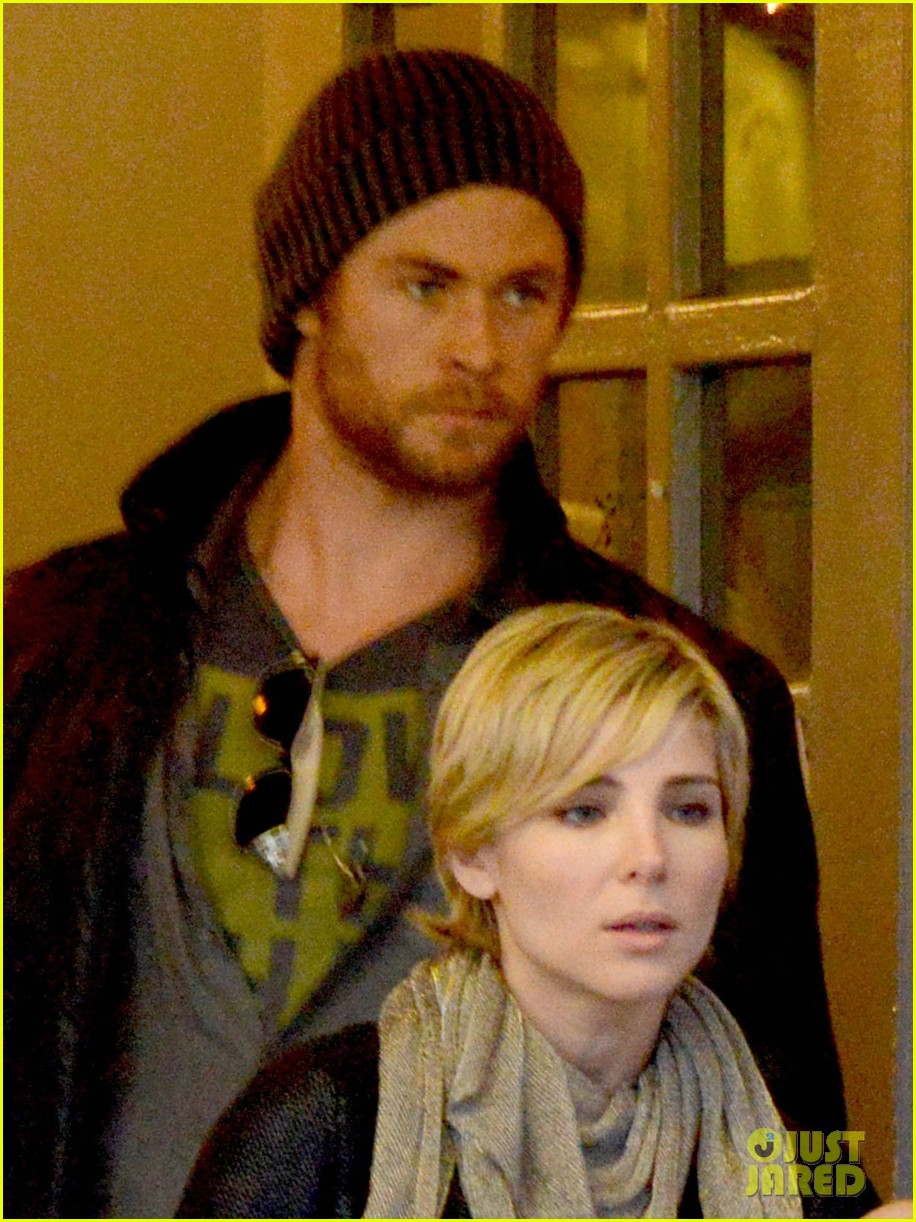 chris hemsworth elsa pataky kreation kafe with india 04