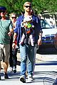 chris hemsworth elsa pataky palm springs stroll with india 01