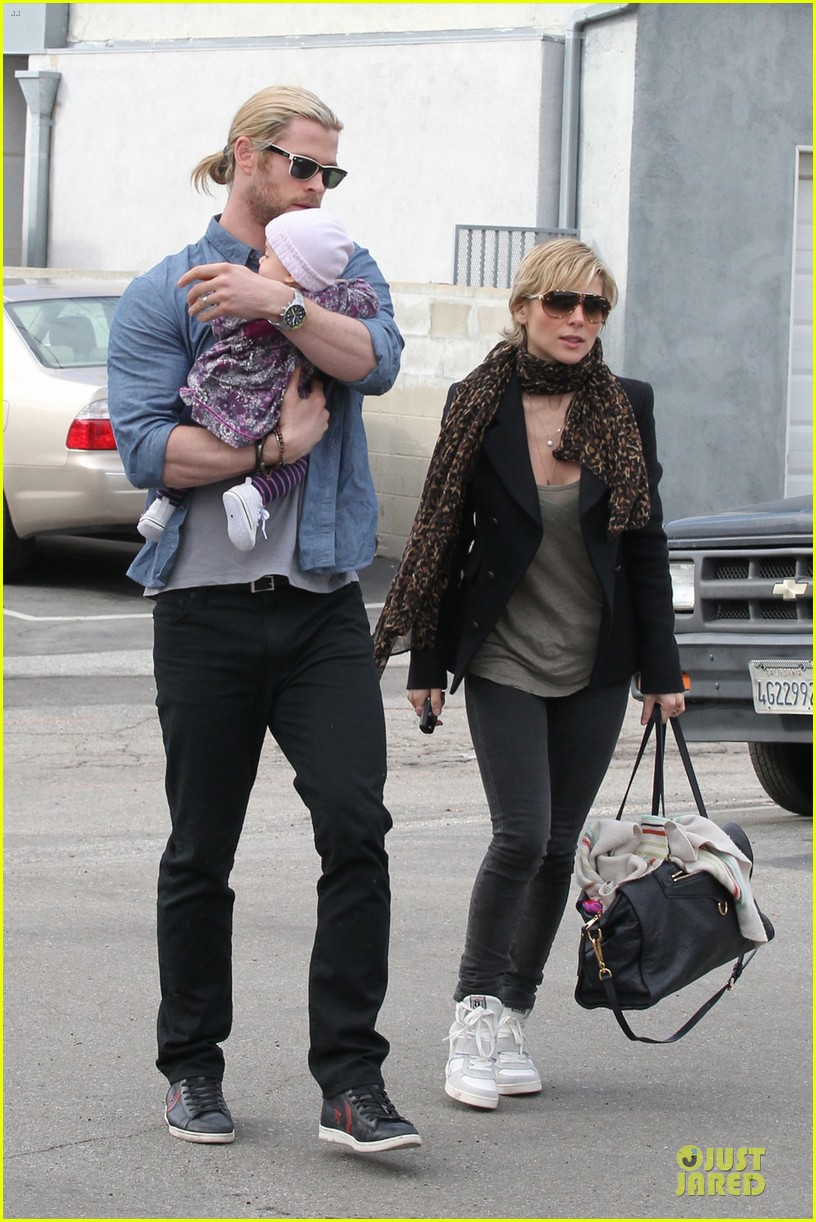 chris hemsworth & elsa pataky sunday lunch with liam hemsworth 12