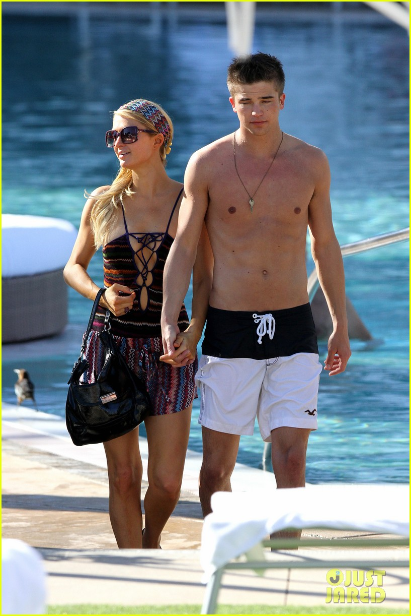 paris hilton shirtless river viiperi miami pool pair 082772013