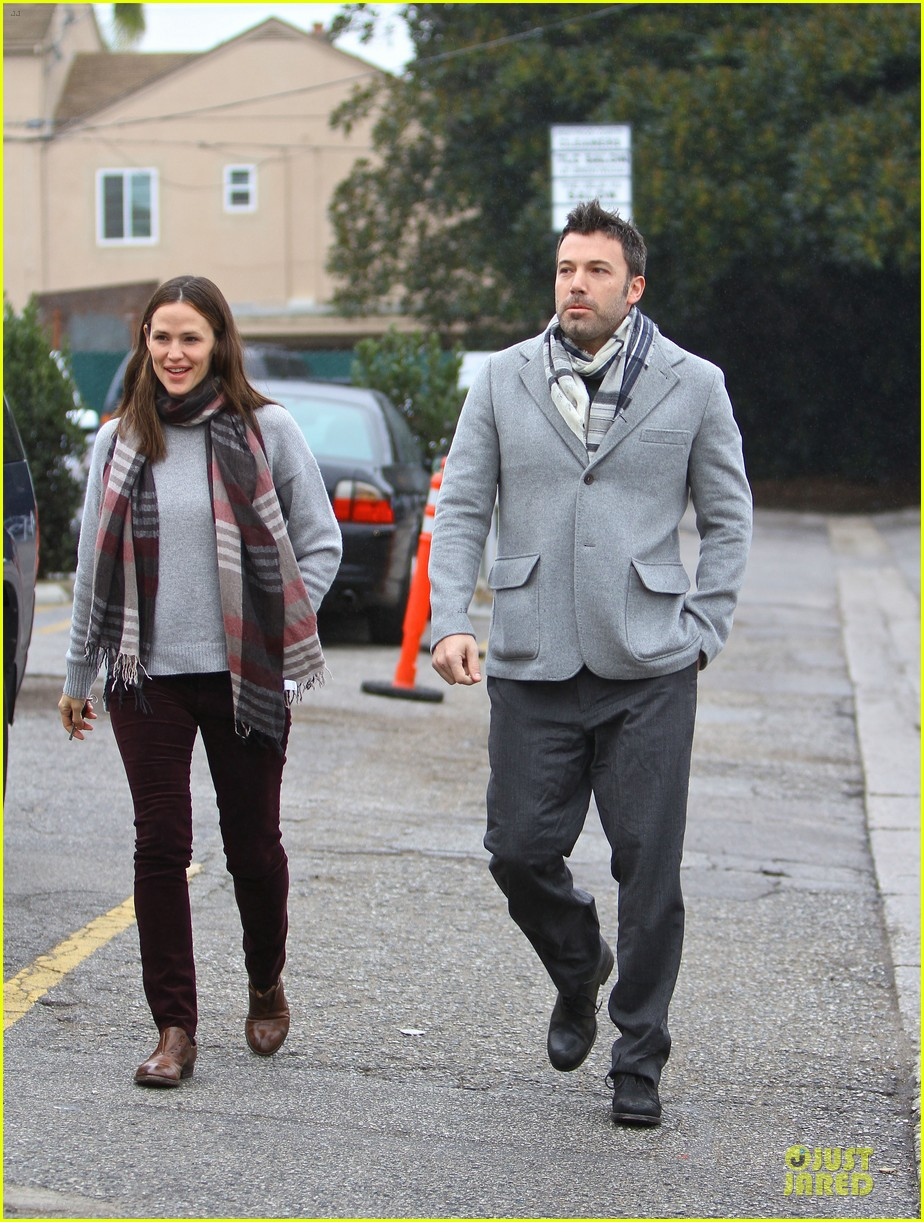 jennifer garner & ben affleck holiday shopping with the girls 18