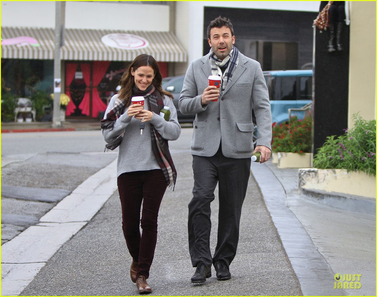 jennifer garner & ben affleck holiday shopping with the girls 20