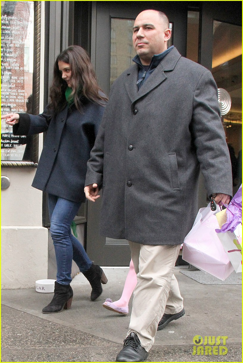 katie holmes birthday breakfast with suri 09