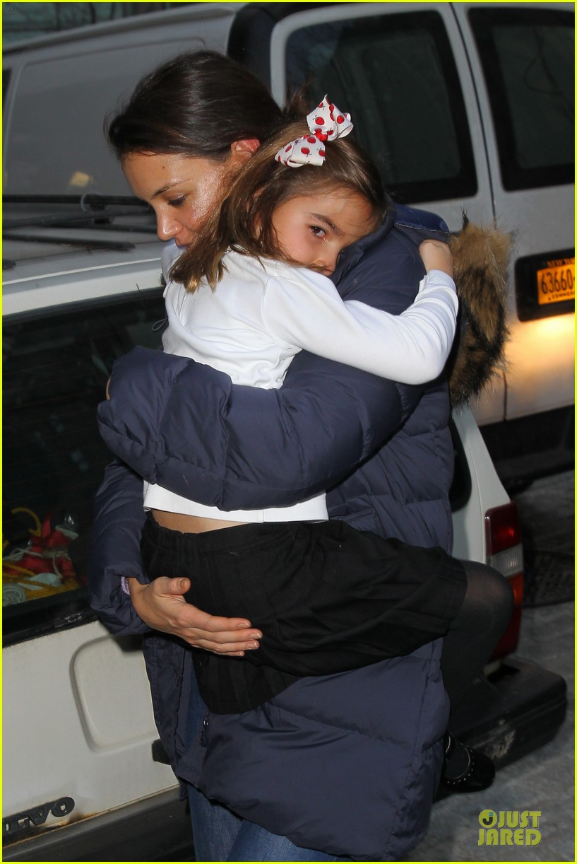 katie holmes kids game with suri 04
