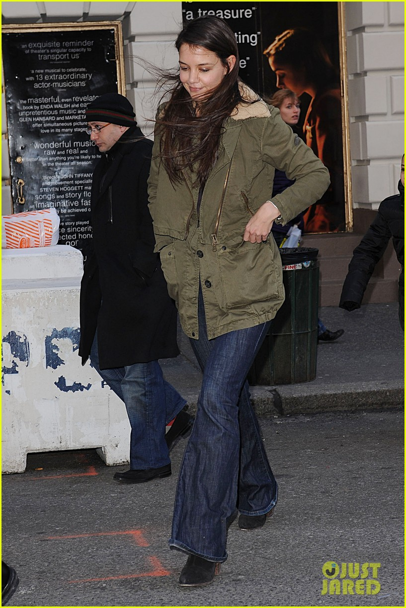 katie holmes dead accounts matinee day 09