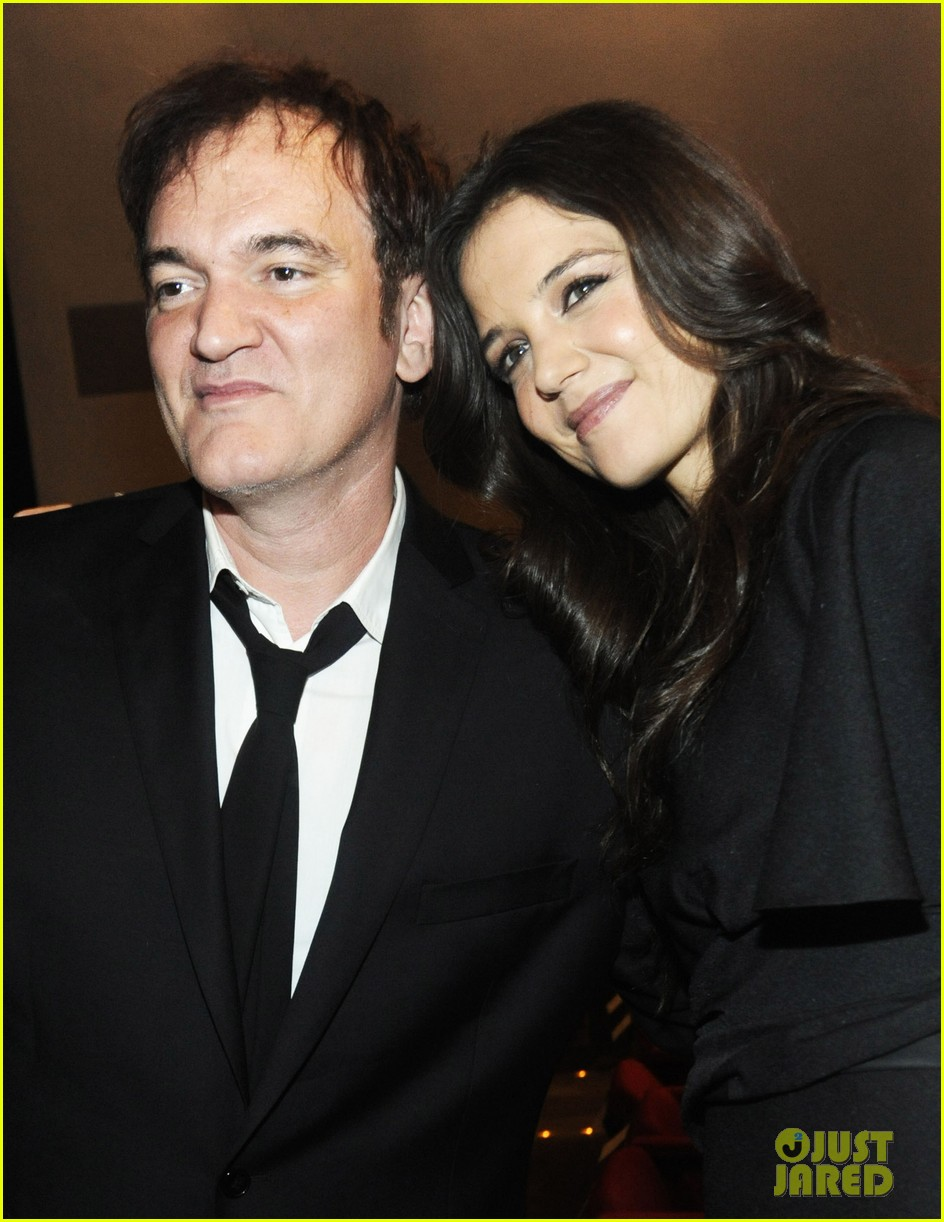 katie holmes honors quentin tarantino at the moma 012768876