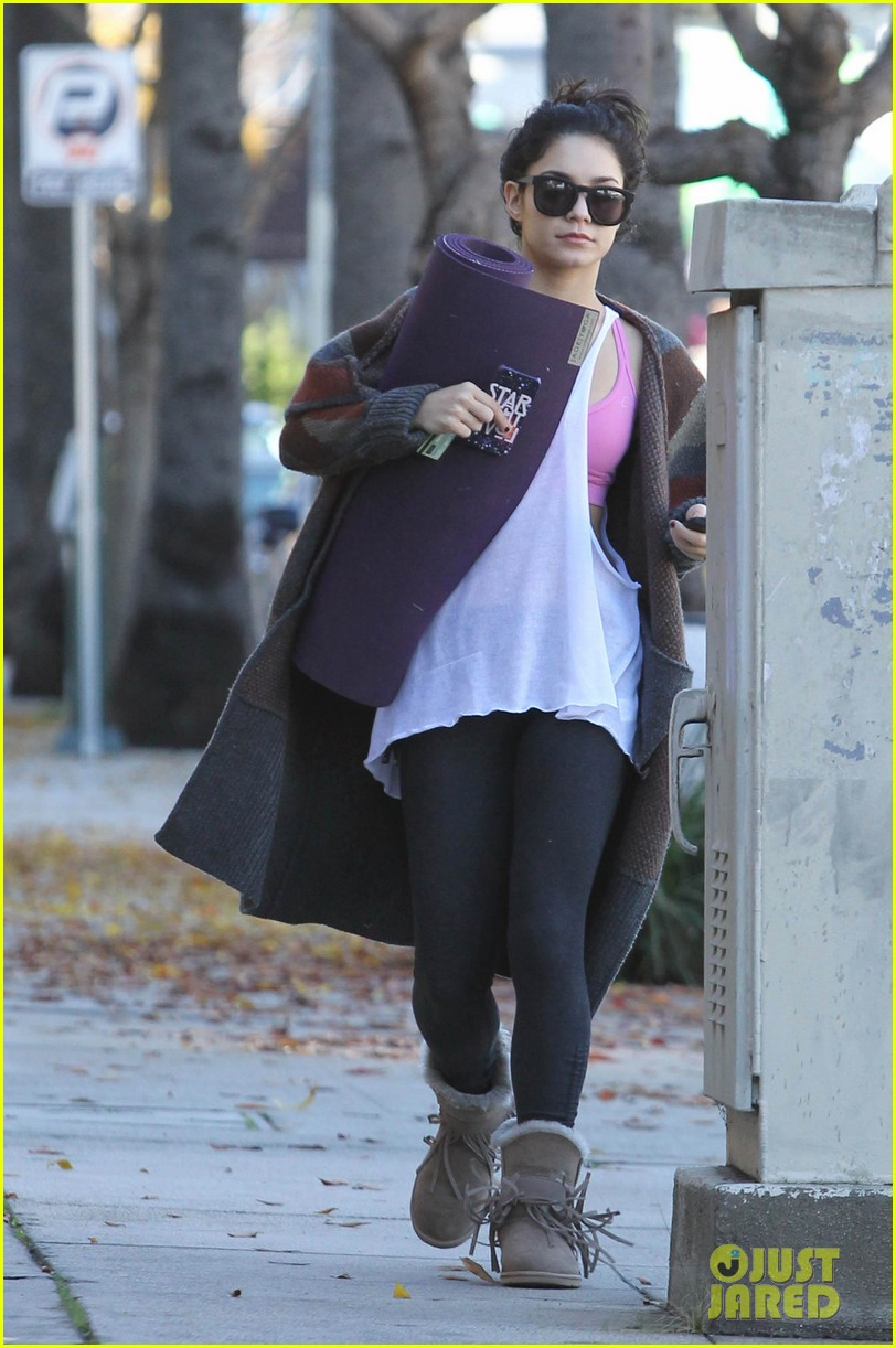 vanessa hudgens post christmas yoga class 01