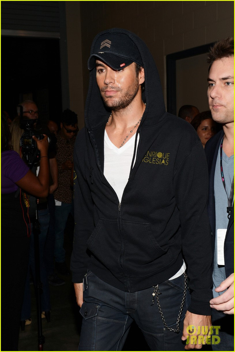 enrique iglesias anna kournikova y100 jingle ball 2012 19
