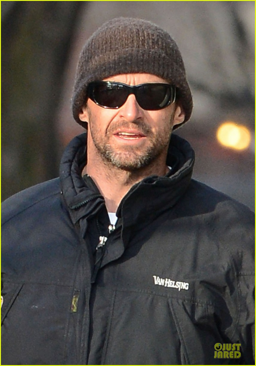 hugh jackman christmas tree shopping with the kids 02