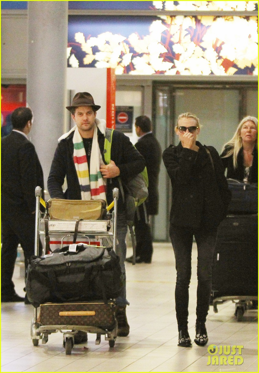 joshua jackson diane kruger christmas eve in paris 06