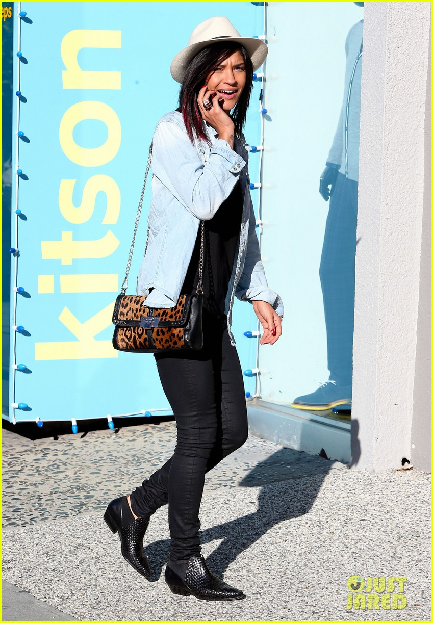 jessica szohr holiday shopping giggles 10