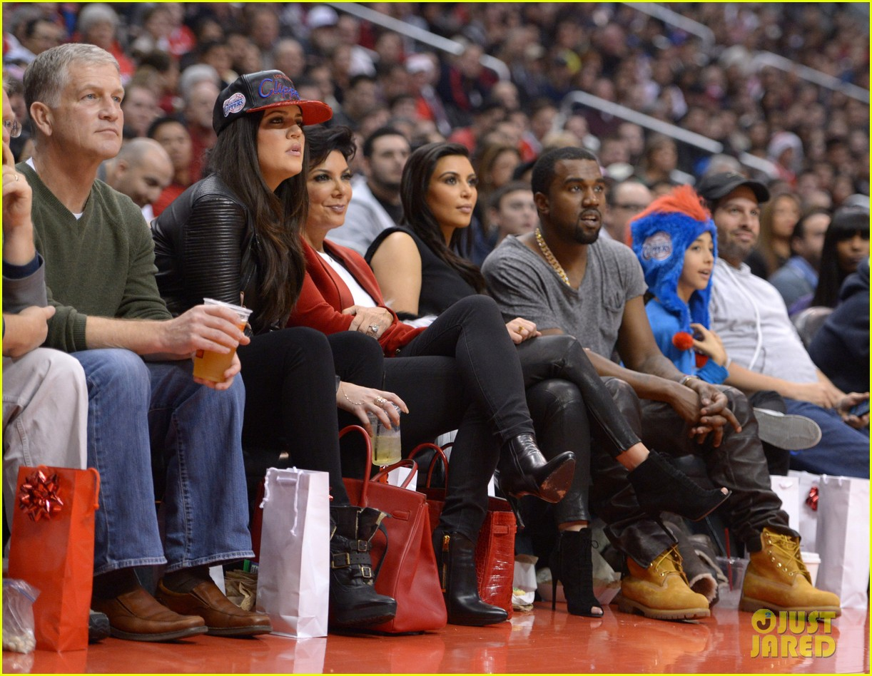kim kardashian kanye west christmas clippers game 04