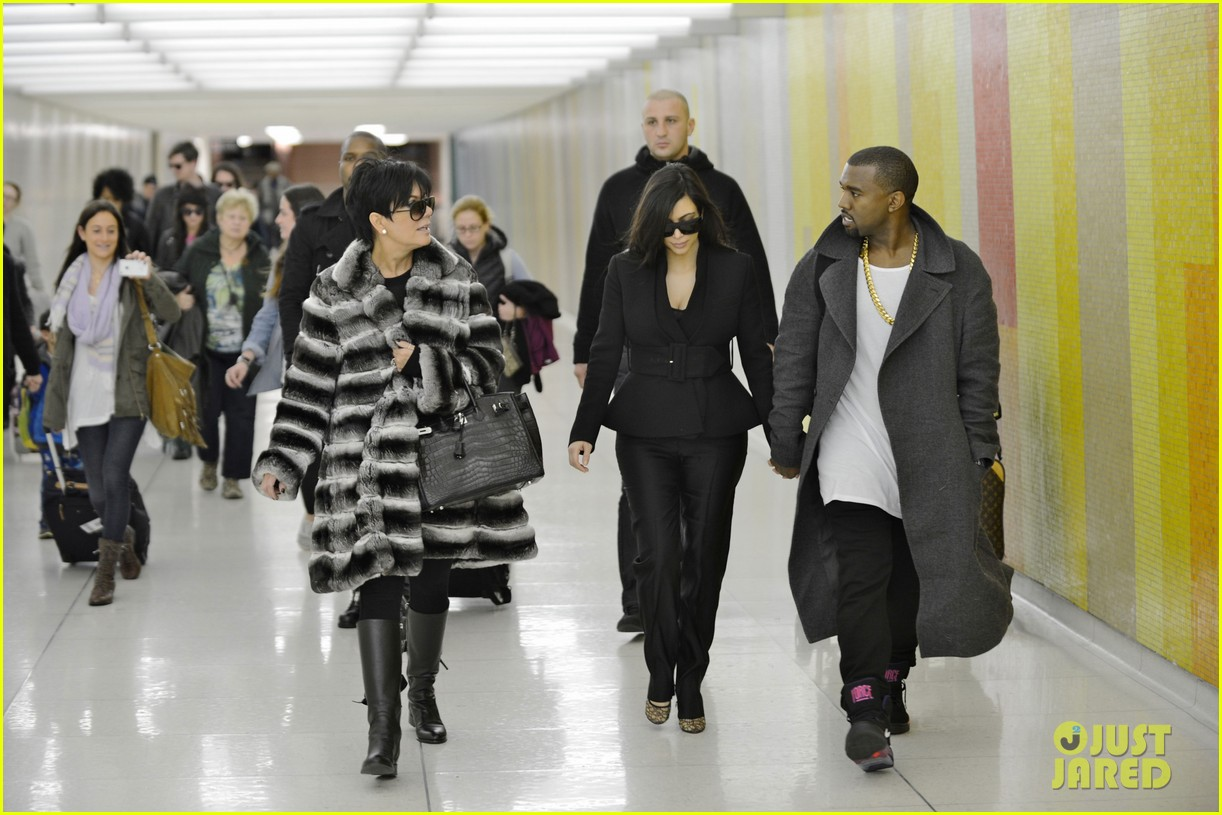 kim kardashian pregnant first sighting with kanye west 05