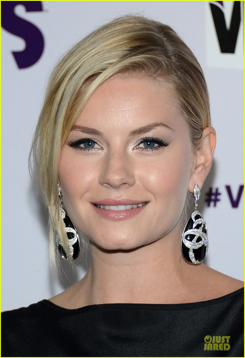stacy keibler & elisha cuthbert vh1 divas red carpet 19