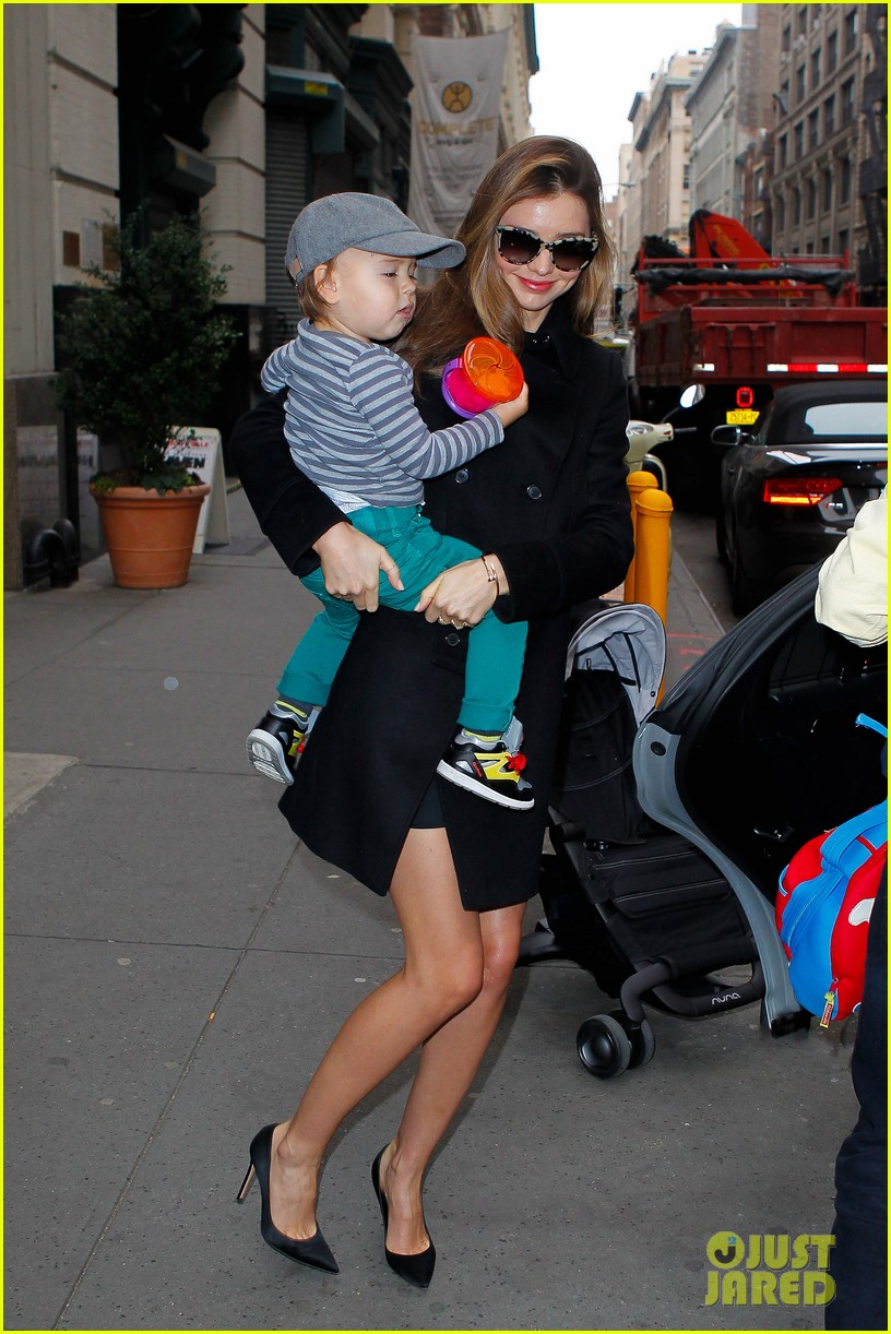 miranda kerr manhattan business mom 09