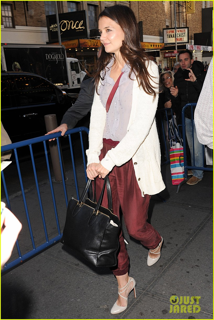 katie holmes greets fans 10
