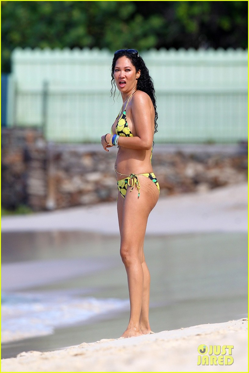 kimora lee simmons rocks bikini in st barts 03