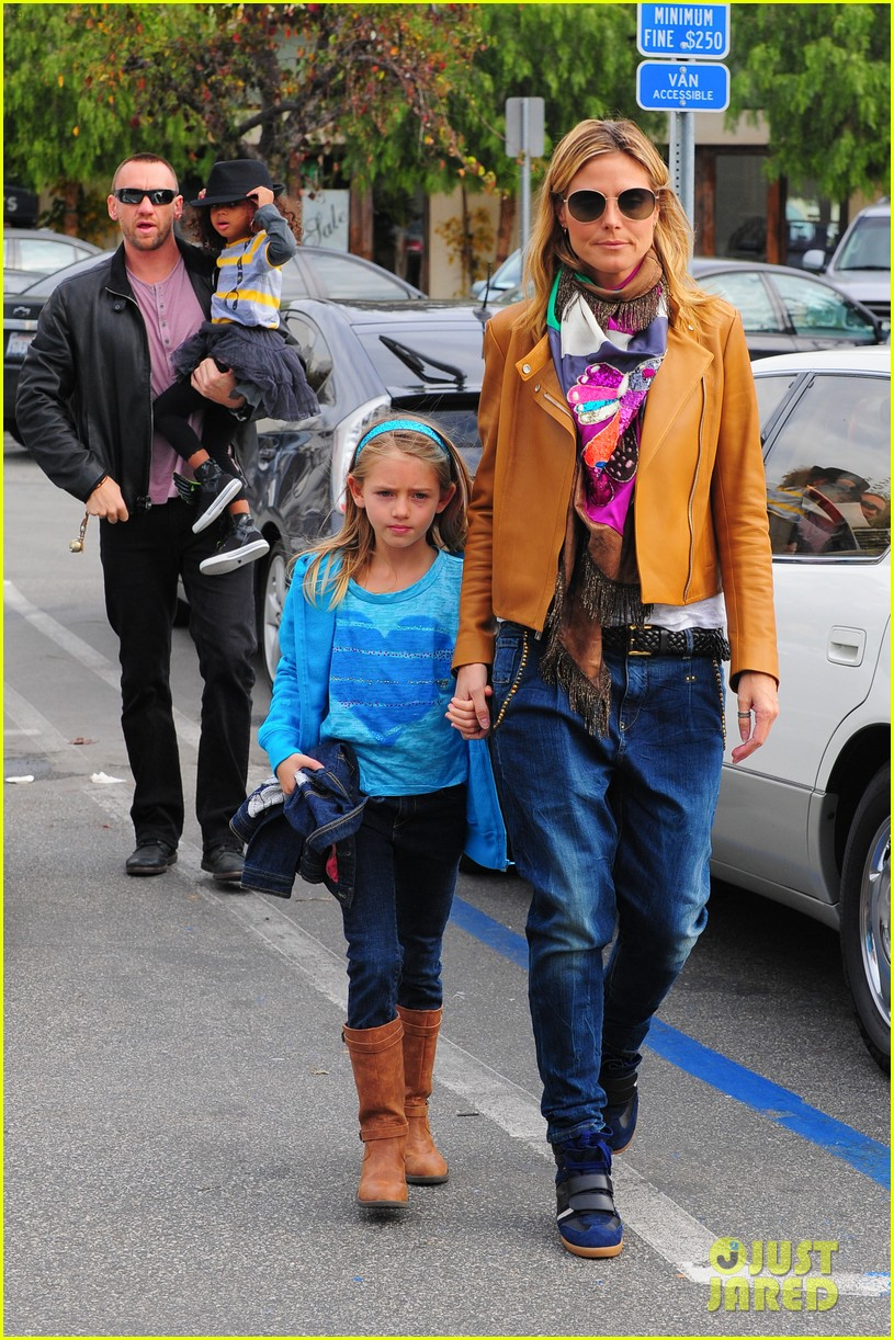 heidi klum martin kirsten grocery shopping with girls 01