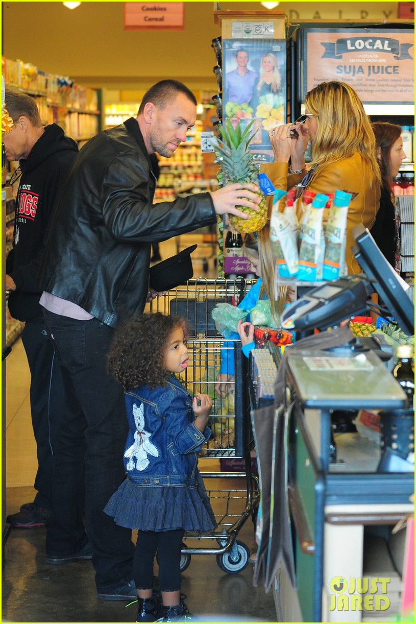 heidi klum martin kirsten grocery shopping with girls 40