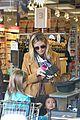heidi klum martin kirsten grocery shopping with girls 13
