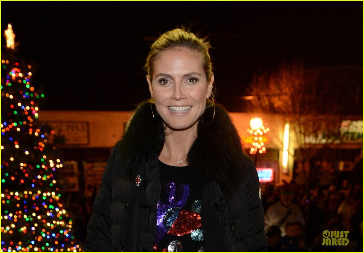 heidi klum christmas tree lighting ceremony in new york 18