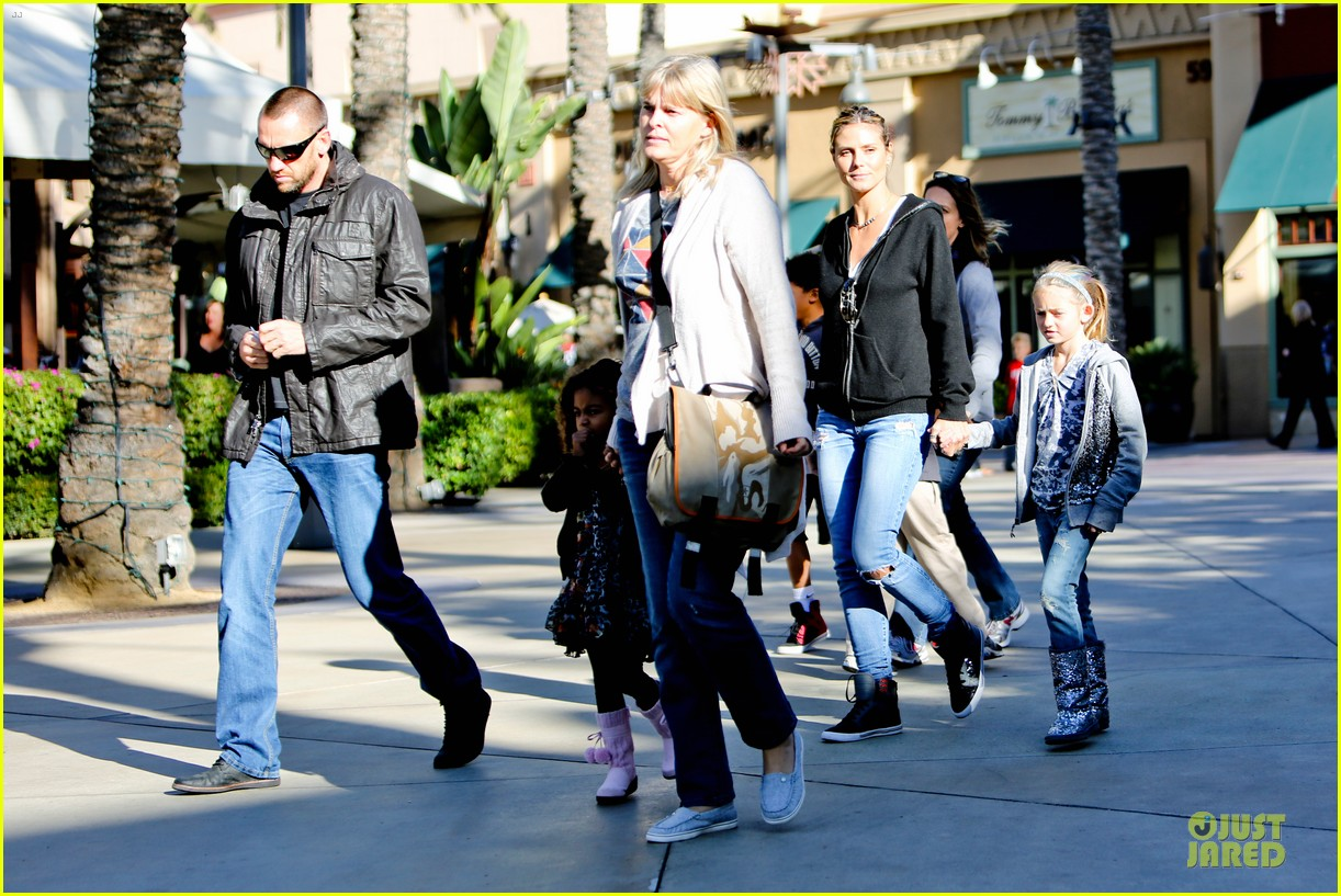 heidi klum martin kristen pretend city childrens museum with the kids 17