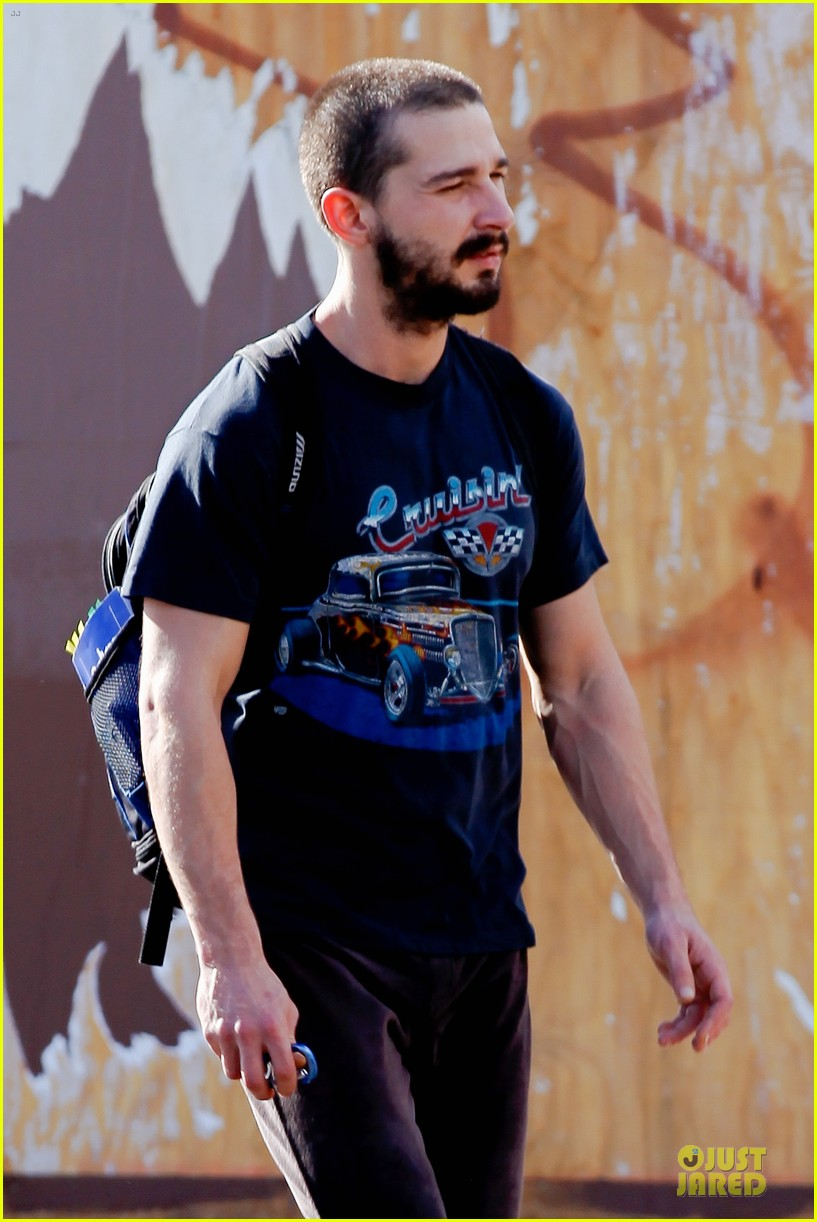 shia labouf cruisin to the gym 10