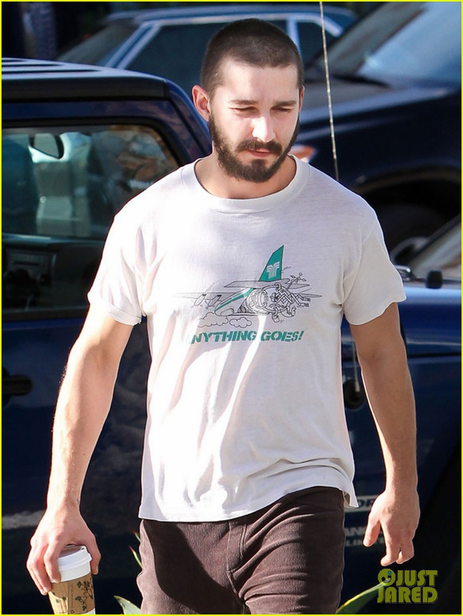 shia labeouf takes mia goth shopping 04