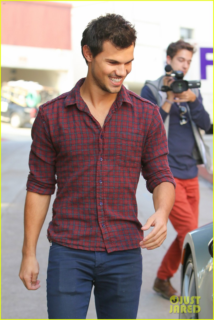taylor lautner business in brentwood 12