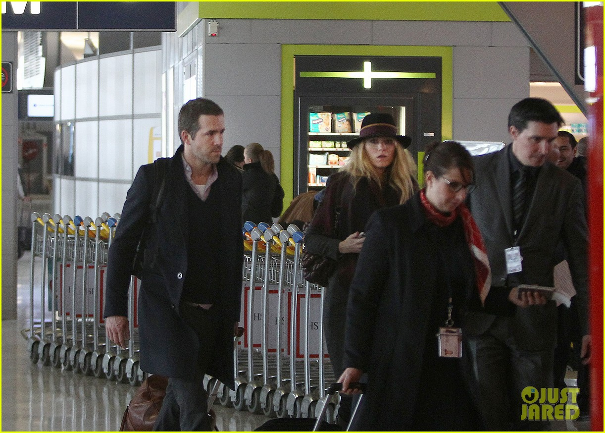 blake lively ryan reynolds charles de gaulle couple 04