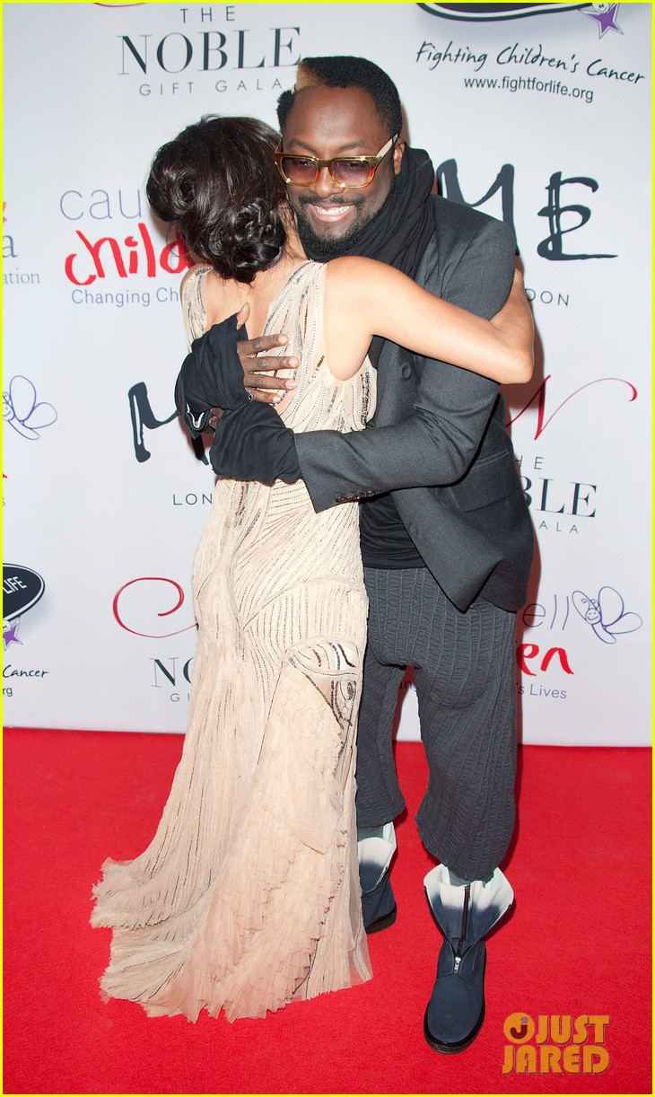 eva longoria noble gift gala with will i am 03