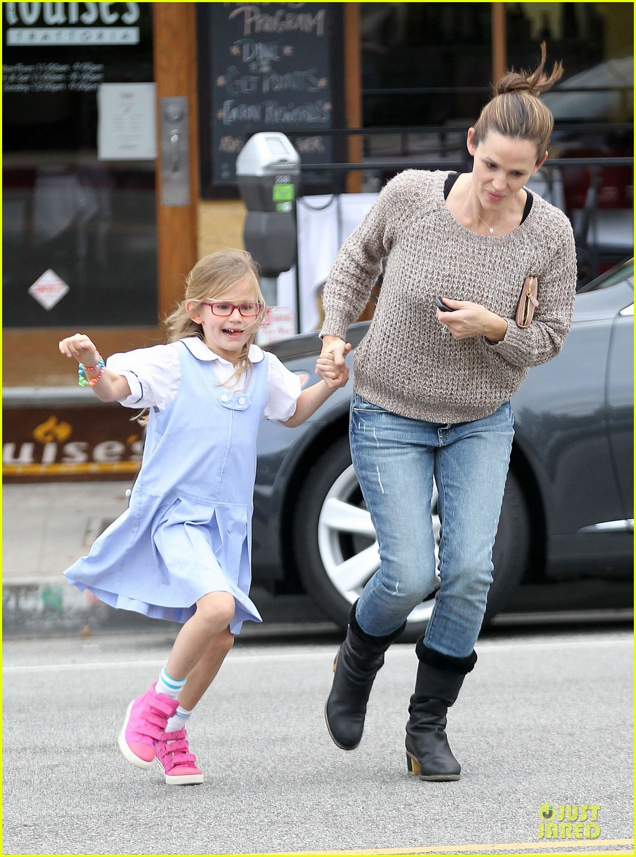 jennifer garner louises dinner with violet 152778121