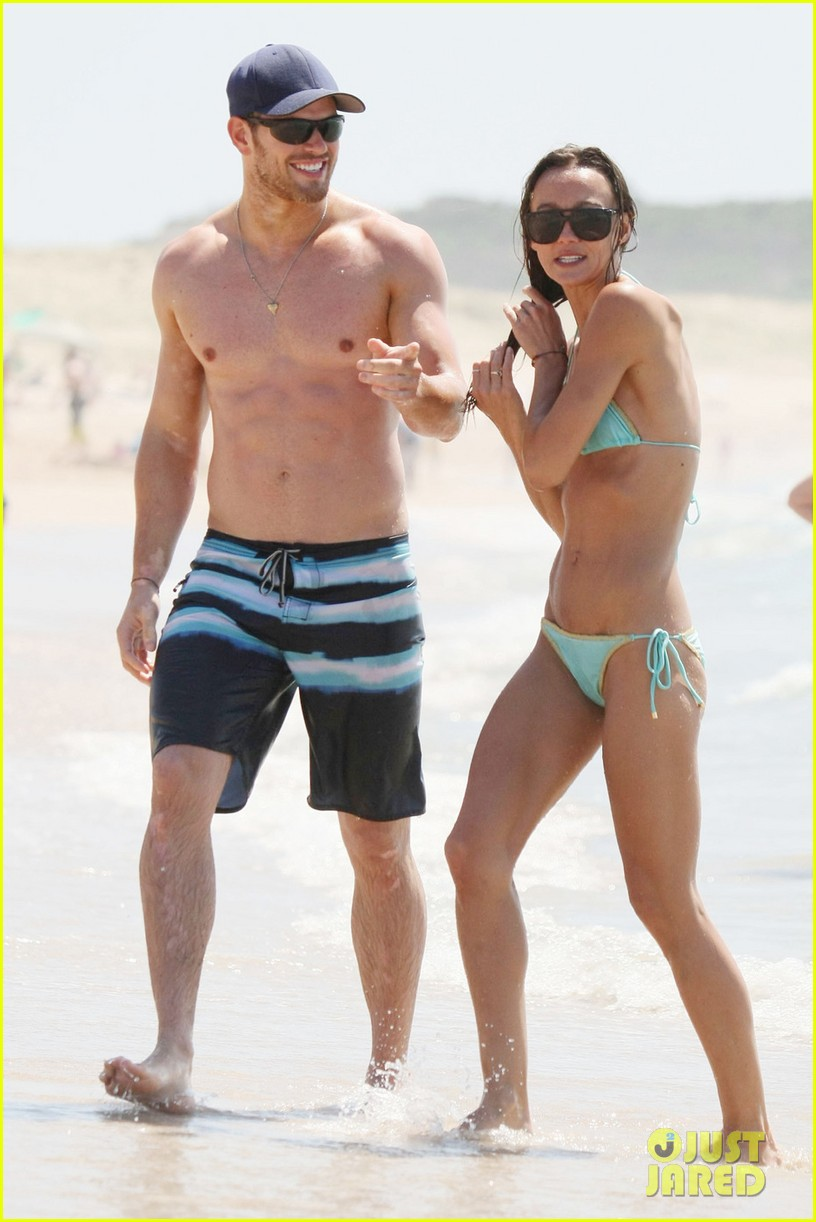 kellan lutz shirtless beach day with sharni vinson 05