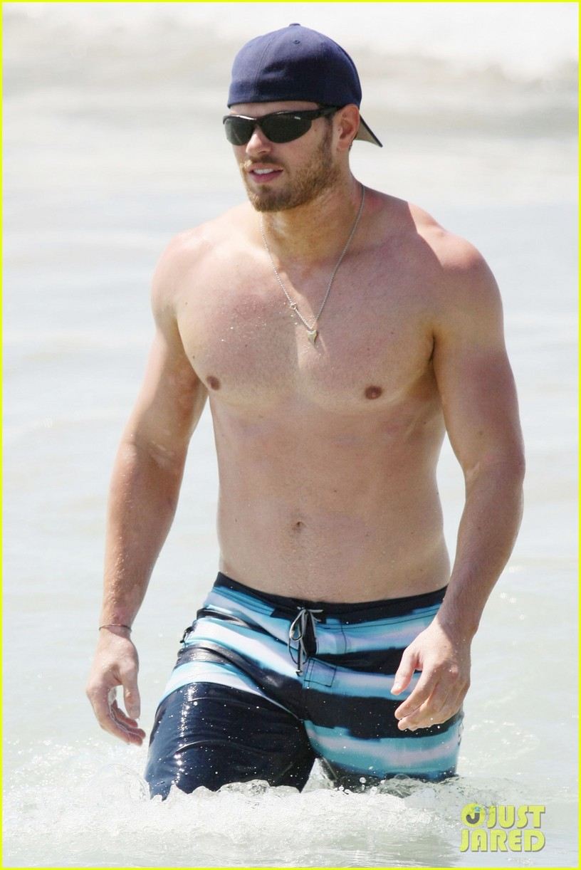 kellan lutz shirtless beach day with sharni vinson 162780303