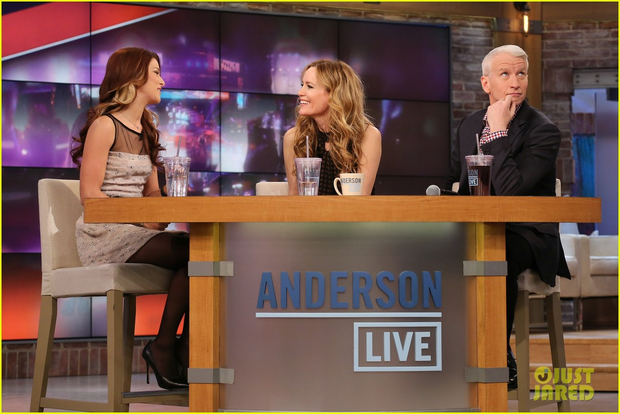 leslie mann paul rudd this is 40 crew visits anderson live 06