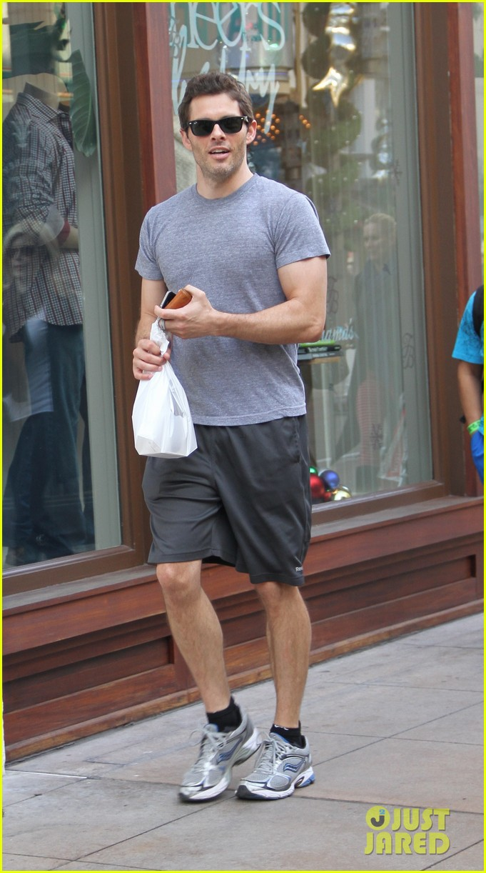 james marsden apple store shopper 03