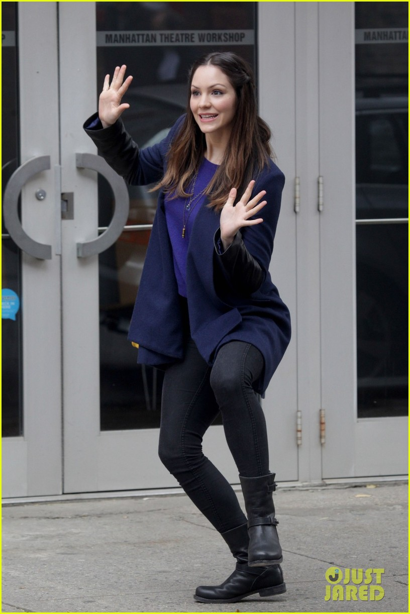 katharine mcphee jazz hands on smash set 06