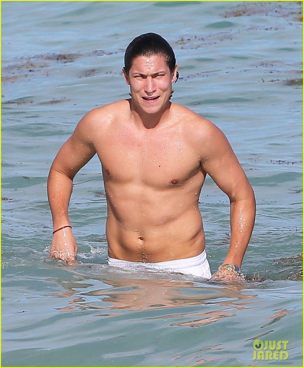 demi moore hits south beach vito schabel goes shirtless 07
