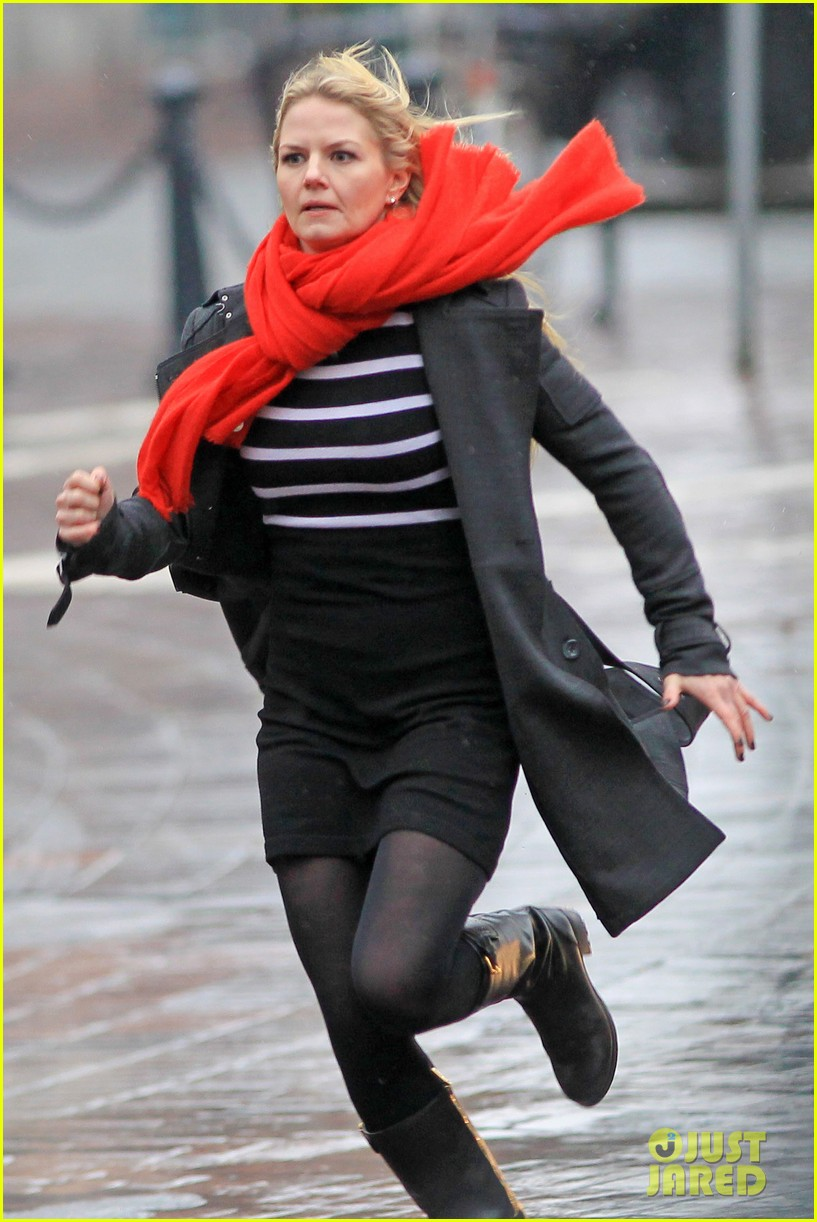 jennifer morrison runs jumps for once upon a time 122775884