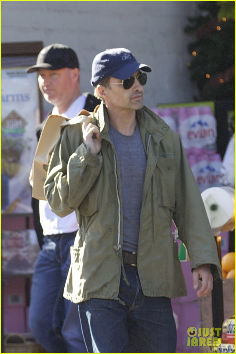 olivier martinez monday grocery run 02