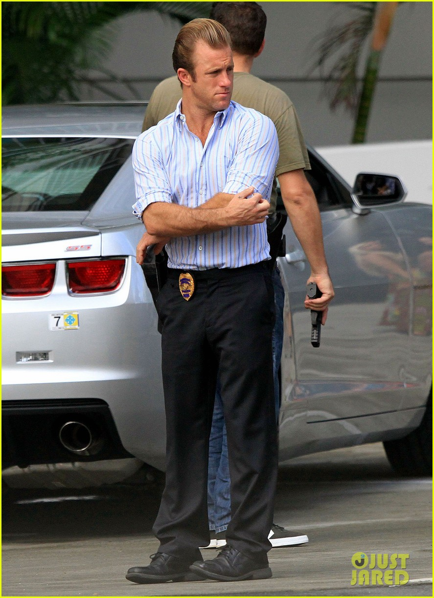 alex oloughlin hawaii feels like australia to me 03