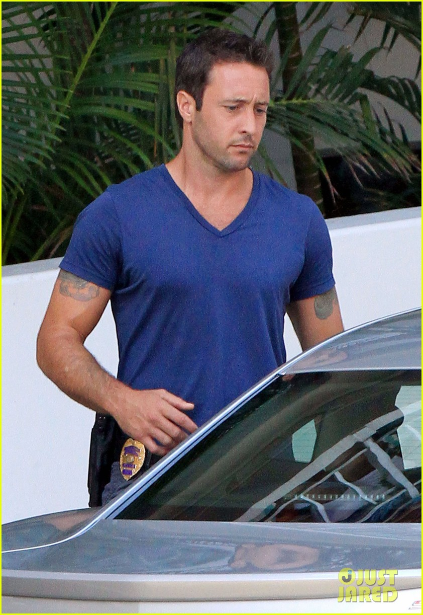 alex oloughlin hawaii feels like australia to me 14