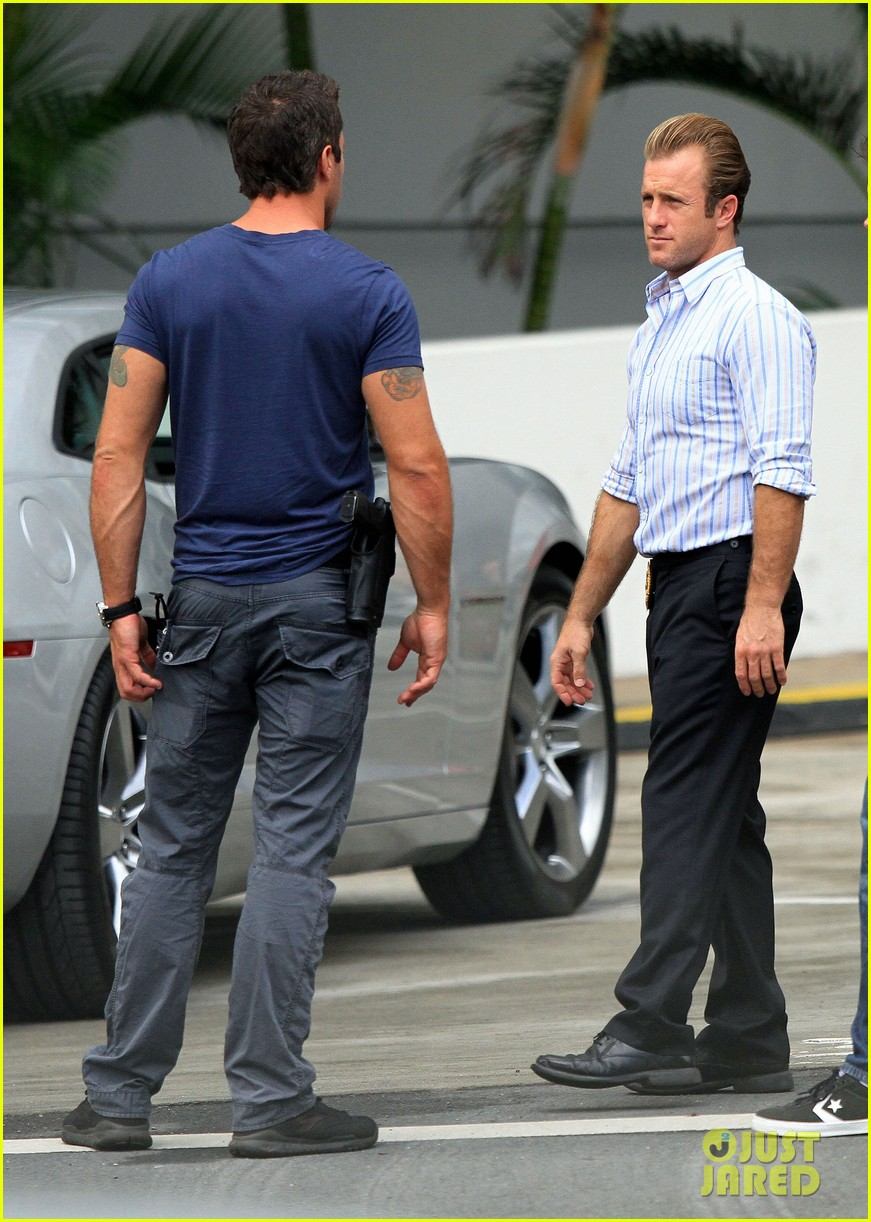 alex oloughlin hawaii feels like australia to me 25
