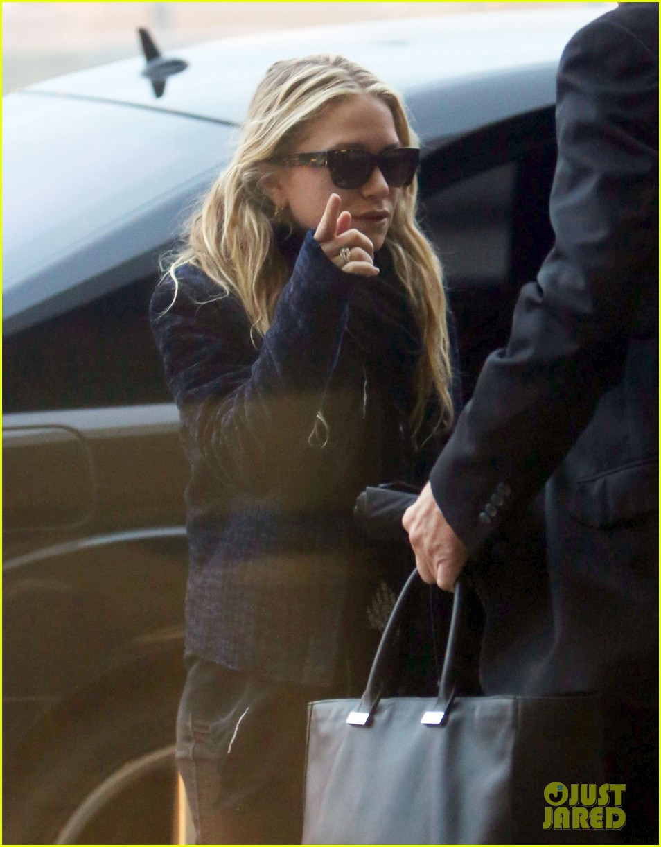 mary kate ashley olsen holidays with the family 05