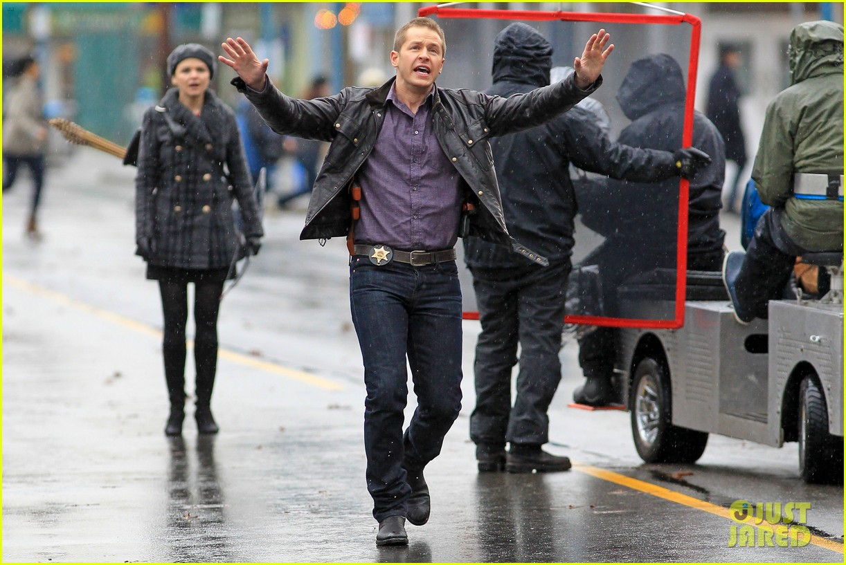 ginnifer goodwin josh dallas rain set 182774403