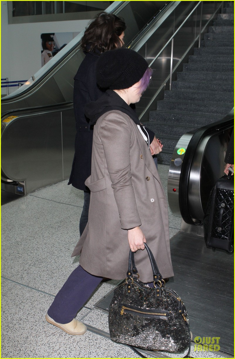 kelly osbourne & matthew mosshart secret xmas holiday trip 06