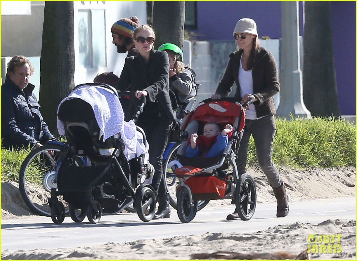 anna paquin venice boardwalk stroll with the twins 01