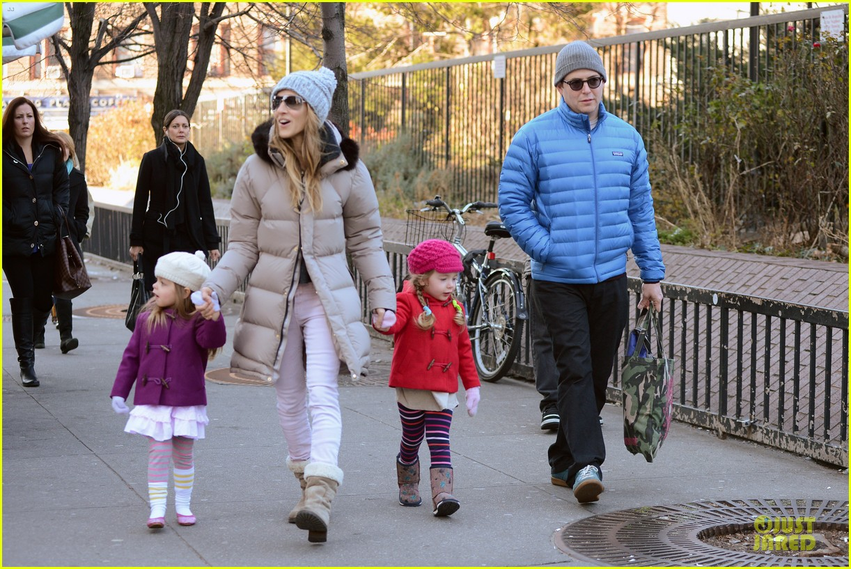 sarah jessica parker & matthew broderick school walk with the twins 112776484